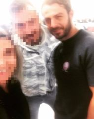 Ο Γιώργος μαζί με φανς στο αεροδρόμιο της Λάρνακας πριν την επιστροφή του στην Αθήνα - 17 Οκτωβρίου 2017 Φωτογραφία: sofaki_1385 Instagram