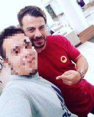 Ο Γιώργος με φαν στο ξενοδοχείο Hilton Park στη Λευκωσία - 17 Οκτωβρίου 2017 Φωτογραφία: thanasis_risvanis9 Instagram