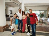 Ο Γιώργος Αγγελόπουλος και ο Άκης Πάσσαρης με φανς στο Hilton Park Hotel στη Λευκωσία - 14 Οκτωβρίου 2017