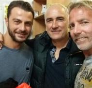 Ο Γιώργος στα αποδυτήρια για τον φιλανθρωπικό ποδοσφαιρικό αγώνα στο γήπεδο Τραχώνων στον Άλιμο - 23 Οκτωβρίου 2017 Φωτογραφία: thanashsmpellos Instagram