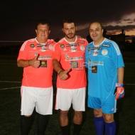Ο Γιώργος με τον Μάρκο Σεφερλή και τον Νίκο Γραμμένο στο γήπεδο Τραχώνων στον Άλιμο όπου βρέθηκε για να συμμετάσχει στον φιλανθρωπικό ποδοσφαιρικό αγώνα που διοργάνωσε ο Δήμος - 23 Οκτωβρίου 2017 Φωτογραφία: TLife