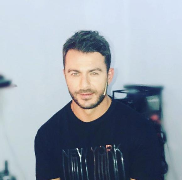 """Ο Γιώργος backstage στην εκπομπή """"The Λούης Night Show"""" όπου ήταν καλεσμένος - 24 Οκτωβρίου 2017 Φωτογραφία: alphatvcyprus Instagram"""