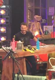 """Ο Γιώργος κατά τη διάρκεια του γυρίσματος της εκπομπής """"The Λούης Night Show"""" - 24 Οκτωβρίου 2017 Φωτογραφία: Maria Shakalli Facebook"""