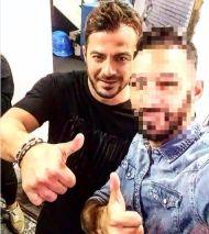 Ο Γιώργος μαζί με φαν στην Κύπρο στις 24 Οκτωβρίου 2017 Φωτογραφία: nikvoice Instagram