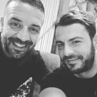 Ο Γιώργος με τον φίλο του Άκη στο Avanti Cafe-Bar στις 28 Οκτωβρίου 2017 Φωτογραφία: akis.passaris Instagram