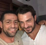 """Ο Γιώργος μαζί με τον φίλο του Γρηγόρη στο """"Αλέξανδρος Παπαδιαμάντης"""" στη Σκιάθο κατά την άφιξή του στο νησί στις 5 Οκτωβρίου 2017 Φωτογραφία: gregoreszakharias Instagram"""