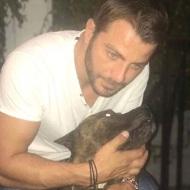 Ο Γιώργος μαζί με τον σκύλο του στη Σκιάθο - 5 Οκτωβρίου 2017 Φωτογραφία: gregoreszakharias Instagram
