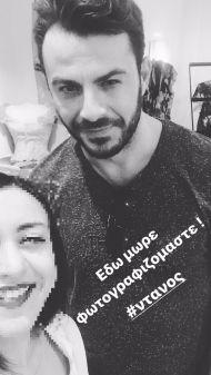 Ο Γιώργος με φαν στο ατελιέ της Λουκίας κατά τη διάρκεια φωτογράφισης για το περιοδικό ΟΚ! - 10 Νοεμβρίου 2017 Φωτογραφία: tatianatsir Instagram
