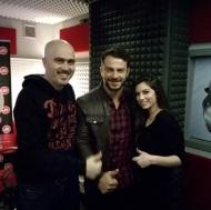Ο Γιώργος μαζί με τον Βαγγέλη Χαρισόπουλο και τη Βεργίνα Ευαγγέλου στο στούντιο του Sfera 102.2 όπου βρέθηκε για τη συνέντευξη με τη Ναταλία στις 13 Νοεμβρίου 2017 Φωτογραφία: harisopoulos Instagram