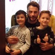 Ο Γιώργος με μικρούς φανς στο Avanti Cafe-Bar στις 17 Νοεμβρίου 2017 Φωτογραφία: lydia_ssinni Instagram