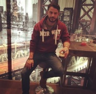Ο Γιώργος στο Avanti Cafe-Bar στις 18 Νοεμβρίου 2017 Φωτογραφία: official_danos_ga Instagram