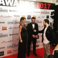 Ο Γιώργος και η Ντορέττα στο κόκκινο χαλί πριν την έναρξη των Time Out Eating Awards μιλώντας στους δημοσιογράφους - 28 Νοεμβρίου 2017 Φωτογραφία: famagusta.news Instagram