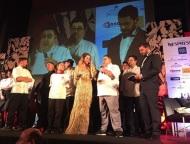 Ο Γιώργος και η Ντορέττα μαζί με τον Χριστόφορο Πέσκια και την ομάδα του κατά τη διάρκεια των Time Out Eating Awards στις 28 Νοεμβρίου 2017 Φωτογραφία: timeoutcyprus Instagram