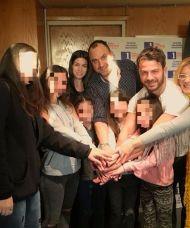 Ο Γιώργος με δημοσιογράφους και μικρούς φαν στα στούντιο του Ράδιο Πρώτο - 29 Νοεμβρίου 2017 Φωτογραφία: radioprotocyprus Instagram