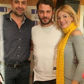 Ο Γιώργος με τους δημοσιογράφους Ζαχαρία Φιλιππίδη και Μαρία Κάνθερ στα στούντιο του Ράδιο Πρώτο - 29 Νοεμβρίου 2017 Φωτογραφία: radioprotocyprus Instagram