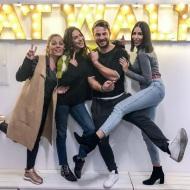 Ο Γιώργος μαζί με τις Κωνσταντίνα Ευριπίδου, Έλενα Θεοδώρου και Χάρις Δημητρίου στη σχολή της Κωνσταντίνας - 30 Νοεμβρίου 2017 Φωτογραφία: con_ev Instagram
