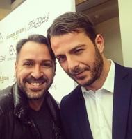 """Ο Γιώργος μαζί με τον δημοσιογράφο Κώστα Αρκά στην πρεμιέρα της θεατρικής παράστασης """"Μαντάμ Σουσού"""" στο Παλλάς στις 31 Οκτωβρίου 2017 Φωτογραφία: kostas_arkas IG"""