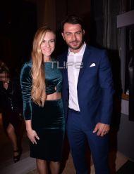 """Ο Γιώργος μαζί με την Σάρα στην πρεμιέρα της θεατρικής παράστασης """"Μαντάμ Σουσού"""" στο Παλλάς στις 31 Οκτωβρίου 2017 Φωτογραφία: TLife"""