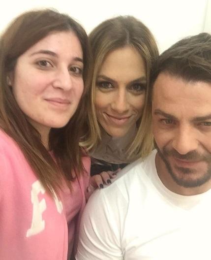 Ο Γιώργος και η Ντορέττα με τη δημοσιογράφο Άννα Κριθαρίδου στα στούντιο του Sigma TV - 27 Νοεμβρίου 2017 Φωτογραφία: annakrith Instagram