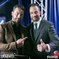 """Ο Γιώργος μαζί με τον Γιώργο Λιανό στο γύρισμα για το """"Ελλάδα έχεις ταλέντο"""" - 14 Νοεμβρίου 2017 Φωτογραφία: talentogr Instagram"""