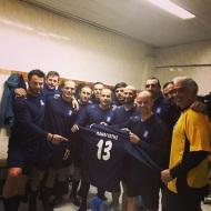 """Ο Γιώργος μαζί με διεθνείς ποδοσφαιριστές στο γήπεδο Εργάνης """"Δημήτρης Νικολαΐδης"""" στον Βύρωνα για τον φιλανθρωπικό αγώνα προς ενίσχυση του μικρού Παναγιώτη - 4 Δεκεμβρίου 2017 Φωτογραφία: aggelosbasinas Instagram"""