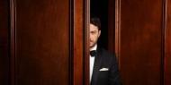 Ο Γιώργος παρουσιάζει τα σμόκιν των γιορτών για το Man of Status Φωτογράφος: Πάνος Γιαννακόπουλος