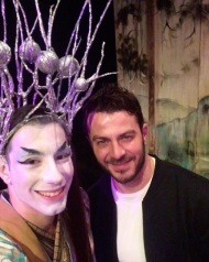 """Ο Γιώργος μαζί με τον ηθοποιό της παράστασης """"Η νεράιδα του φεγγαριού"""", Τάσο Τσώνη, στο θέατρο ΤΡΙΑΝΟΝ - 10 Ιανουαρίου 2018 Φωτογραφία: tasos_tsonis Instagram"""