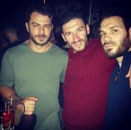 Ο Γιώργος μαζί με ποδοσφαιριστές του Εθνικού Αστέρα Καισαριανής στο Avanti Cafe-bar στις 12 Ιανουαρίου 2018 Φωτογραφία: adamakhs Instagram