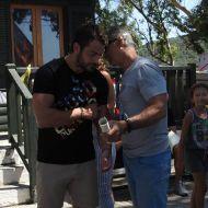 Ο Γιώργος στον Ναυτικό Όμιλο Σκιάθου για την παραλαβή διπλώματος στην ιστιοπλοΐα - 14 Αυγούστου 2017 Φωτογραφία: Skiathostv Facebook