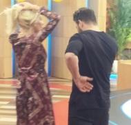 """Ο Γιώργος και η Ελένη backstage κατά τη διάρκεια της εκπομπής """"Ελένη"""" στις 19 Ιανουαρίου 2018 Φωτογραφία: akis.passaris via giorgos_aggelopoulos_friends Instagram"""