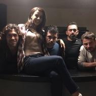 Ο Γιώργος μαζί με Γιάννη, Ειρήνη, Γιώργο και Μπο παρακολουθούν την πρεμιέρα του Survivor 2018 - 21 Ιανουαρίου 2018 Φωτογραφία: gspaliaras Instagram