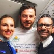 Ο Γιώργος μαζί με το προσωπικό της πτήσης του κατά την επιστροφή του από Κύπρο στις 23 Δεκεμβρίου 2017 Φωτογραφία: radost_tina Instagram