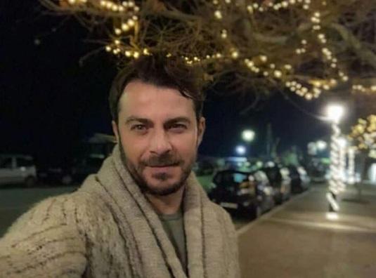 Ο Γιώργος στη στολισμένη Σκιάθο ανήμερα των Χριστουγέννων - 25 Δεκεμβρίου 2017 Φωτογραφία: gregoreszakharias Instagram