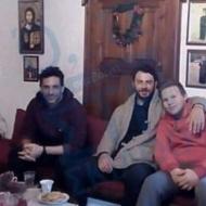 Ο Γιώργος και ο Χρανιώτης επισκέπτονται τον φίλο και συμμαθητή του Γιώργου, πάτερ Ιωσήφ, κατά την παραμονή τους στη Σκιάθο - 31 Δεκεμβρίου 2017 Φωτογραφία: Ό,τι συμβαινει στη Σκιάθο