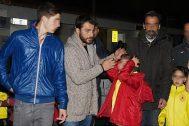 """Ο Γιώργος φτάνοντας στο γήπεδο """"Εργάνης"""" στον Βύρωνα για να συμμετέχει στον φιλανθρωπικό αγώνα ποδοσφαίρου για τον μικρό Παναγιώτη στις 4 Δεκεμβρίου 2017 Φωτογραφία: couscous.gr"""