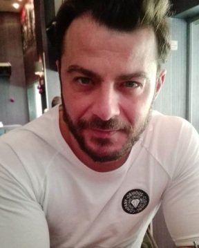 Ο Γιώργος στο Avanti Cafe-Bar στις 4 Δεκεμβρίου 2017 Φωτογραφία: xrisoula_koumpoura Instagram