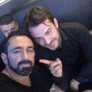 Ο Γιώργος μαζί με τον Μπο στο Club 22 Live Stage όπου τραγουδάει μαζί με Πάνο Κιάμο και Αντύπα - 4 Ιανουαρίου 2018 Φωτογραφία: bo_fugitive Instagram