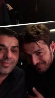 Ο Γιώργος μαζί με φαν στο Club 22 Live Stage στις 4 Ιανουαρίου 2018 Φωτογραφία: gdimas23 Instagram