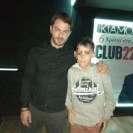 Ο Γιώργος μαζί με φαν στο Club 22 Live Stage στις 4 Ιανουαρίου 2018 Φωτογραφία: gimrag Instagram