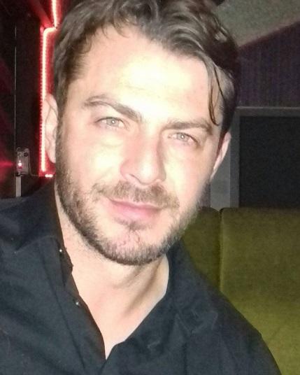 Ο Γιώργος Αγγελόπουλος στο Club 22 Live Stage όπου τραγουδούν οι Μπο, Πάνος Κιάμος και Αντύπας στις 4 Ιανουαρίου 2018 Φωτογραφία: giorgos_aggelopoulos_friends Instagram