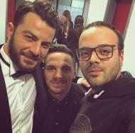 """Ο Γιώργος μαζί με τον Ελευθέριο Πετρούνια και τον μάνατζερ Νίκο Δαλέζιο στο γύρισμα για το εορταστικό επεισόδιο της εκπομπής """"Στην υγειά μας"""" - 5 Δεκεμβρίου 2017 Φωτογραφία: nikosdalezios Instagram"""