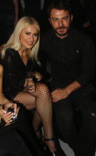 Ο Γιώργος και η Μαρία Μπακοδήμου στο Estate για την πρεμιέρα των Σάκη Ρουβά και Ειρήνης Παπαδοπούλου - 8 Δεκεμβρίου 2017 Φωτογραφία: iciao.gr