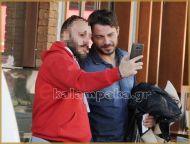 """Ο Γιώργος στην Καλαμπάκα όπου βρέθηκε για τα γυρίσματα της τηλεοπτικής σειράς """"Το Τατουάζ"""" - 5 Φεβρουαρίου 2018 Φωτογραφία: ekalampaka.gr"""