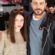 """Ο Γιώργος μαζί με φαν στην Καλαμπάκα όπου βρέθηκε για τα γυρίσματα της σειράς """"Το Τατουάζ"""" - 5 Φεβρουαρίου 2018 Φωτογραφία: mikel.kalampakas Instagram"""