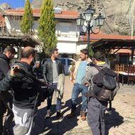 """Ο Γιώργος στην Καλαμπάκα όπου βρέθηκε για τα γυρίσματα της τηλεοπτικής σειράς """"Το Τατουάζ"""" - 5 Φεβρουαρίου 2018 Φωτογραφία: trikalaidees.gr"""