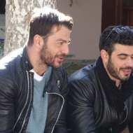 """Ο Γιώργος και ο Λάζαρος κατά τη διάρκεια των γυρισμάτων του """"Τατουάζ"""" στην Καλαμπάκα στις 5 Φεβρουαρίου 2018 Φωτογραφία: trikalaview.gr"""
