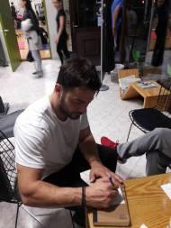 """Ο Γιώργος κατά τη διάρκεια γυρισμάτων του """"Τατουάζ"""" στην Καλαμπάκα - 6 Φεβρουαρίου 2018 Φωτογραφία: Panos Kandilis Facebook"""