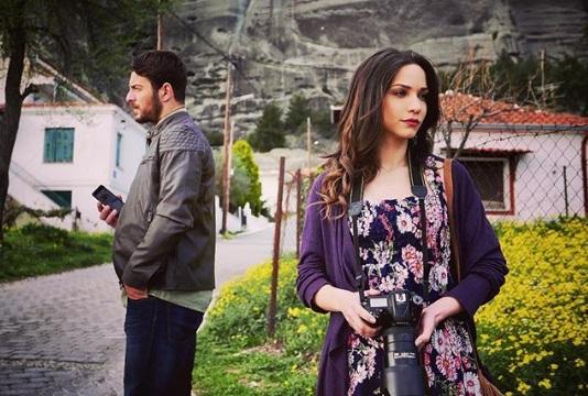 """Ο Γιώργος και η Κατερίνα κατά τη διάρκεια γυρισμάτων για το """"Τατουάζ"""" στην Καλαμπάκα - 12 Μαρτίου 2018 Φωτογραφία: katerina_geronikolou Instagram"""