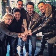 Ο Γιώργος με Μαρία Μπεκατώρου, Νίκο Βουρλιώτη και άλλους στο The Abbot στο Χαλάνδρι στις 18 Μαρτίου 2018 Φωτογραφία: nikosvourliotis Instagram