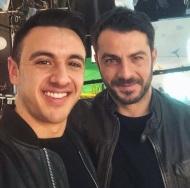 """Ο Γιώργος μαζί με τον σεφ Λάμπρο Βακιάρο στην εκπομπή """"Στη φωλιά των Κου Κου"""" - 26 Μαρτίου 2018 Φωτογραφία: iamvakiaros Instagram"""
